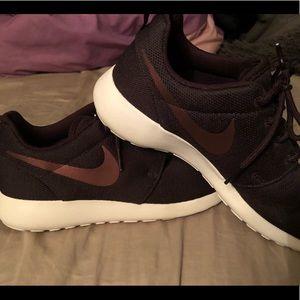 Women's Nike size 9